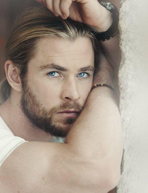 Hello there, Hottie!!! <3 Chris Hemsworth