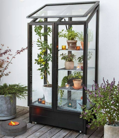 Oh the possibilities. Herb garden within your reach from kitchen door