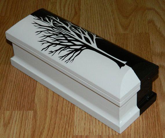 Wooden Stash Box Wood Coffin Jewelry Keepsake por IndianRiverBoxCo
