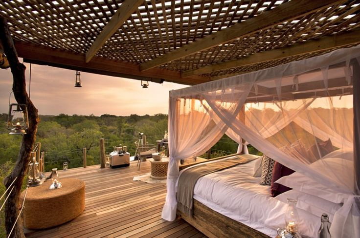 Growing up in Brooklyn there was no way I would ever get a treehouse. Lucky for me, as an adult, Lion Sands Private Game Reserve has a treehouse better than my inner kid could ever dream of.