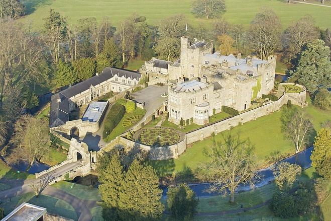 一般の人が住める英国の由緒あるお城やお屋敷 - WSJ.com