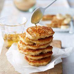 Haver-banaanpannenkoekjes - Serveer de pannenkoekjes warm met de resterende banaanplakjes en smullen maar! #lunch #pannenkoeken #JumboSupermarkten