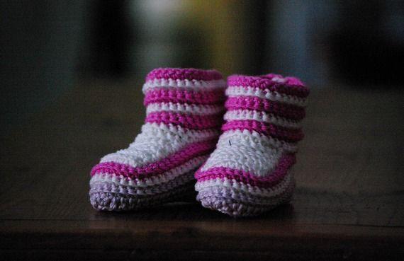 25 - Patron tutoriel de chaussons de bébé au crochet en laine