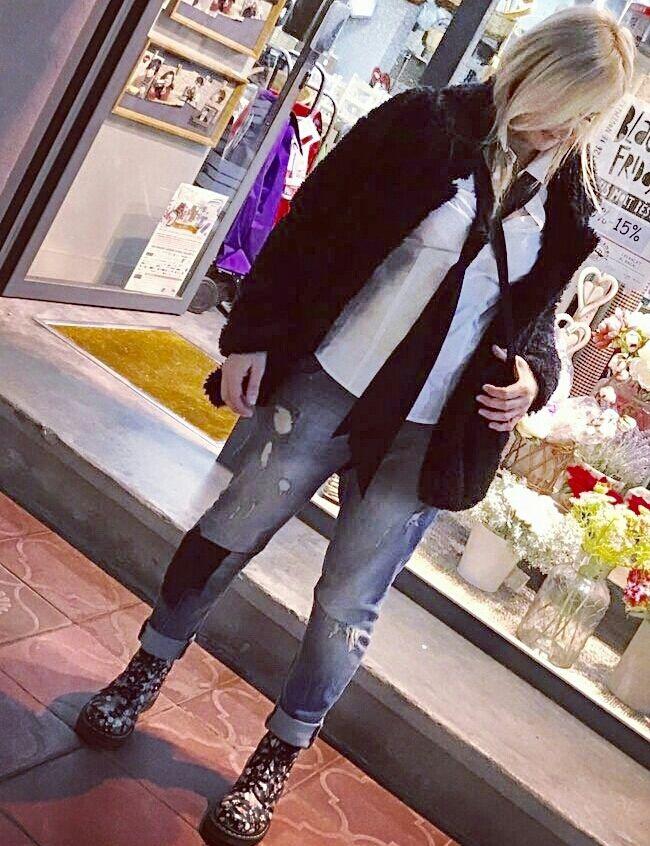 Tomboy look  - Temporada: Primavera-Verano - Tags: tomboy,look, botas,martens, shana, cya  - Descripción: Pantalón y camisa C&A, chaqueta Shana, botas Martens y corbata C&A