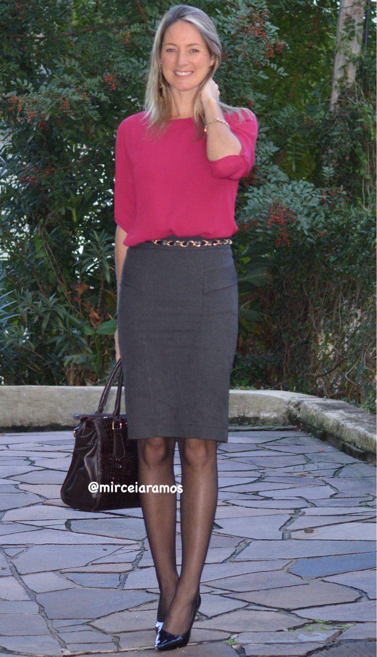 Look de trabalho - look do dia - look corporativo - moda no trabalho - work outfit - office outfit - spring outfit - look executiva - fall outfit - saia lápis - chumbo - cinza - grey - marsala - meia calça preta - scarpin -