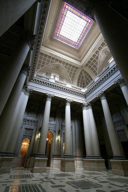 Palacio de Tribunales interior view