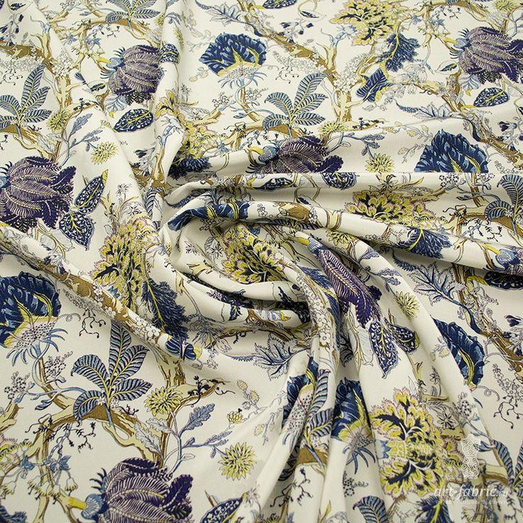 Крепдешин шелковый ink jet (синие цветы на молочном) (004665) купить в интернет магазине итальянских тканей по цене 3280 р.