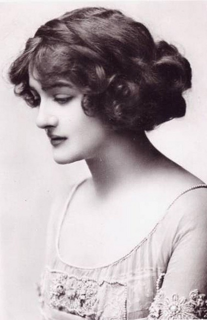 Historical fashion # 2- Hairstyle.. 1925..lily elsie..
