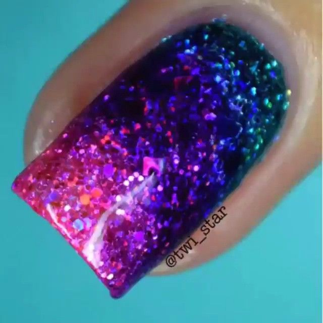 #nails #TBD Sharpies holo glitter by @twi_star ✨