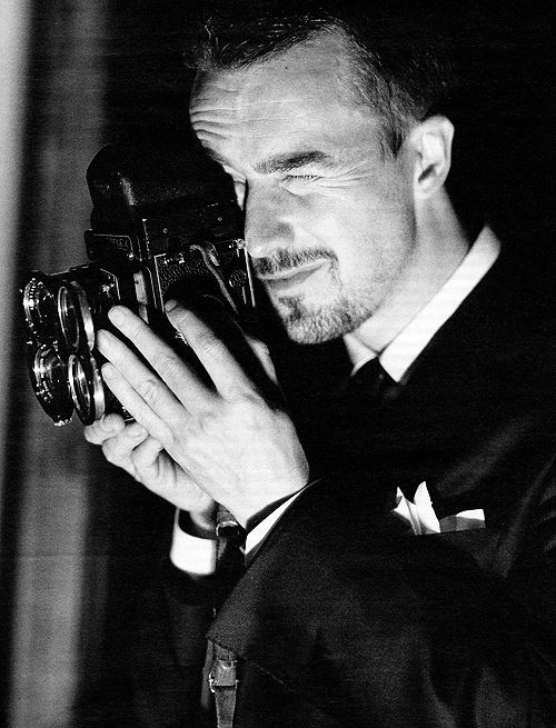 Edward Norton [just when I thought he couldn't get more beautiful...he picks up a camera.]