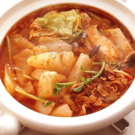 大根と豚のトマト鍋 | 小林まさみさんの鍋ものの料理レシピ | プロの簡単料理レシピはレタスクラブニュース