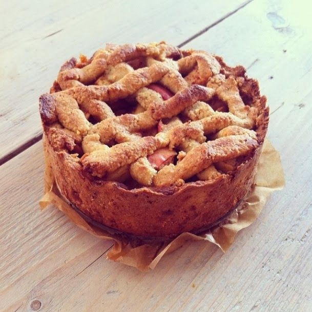 Healthy apple pie without gluten, dairy and refined sugar
