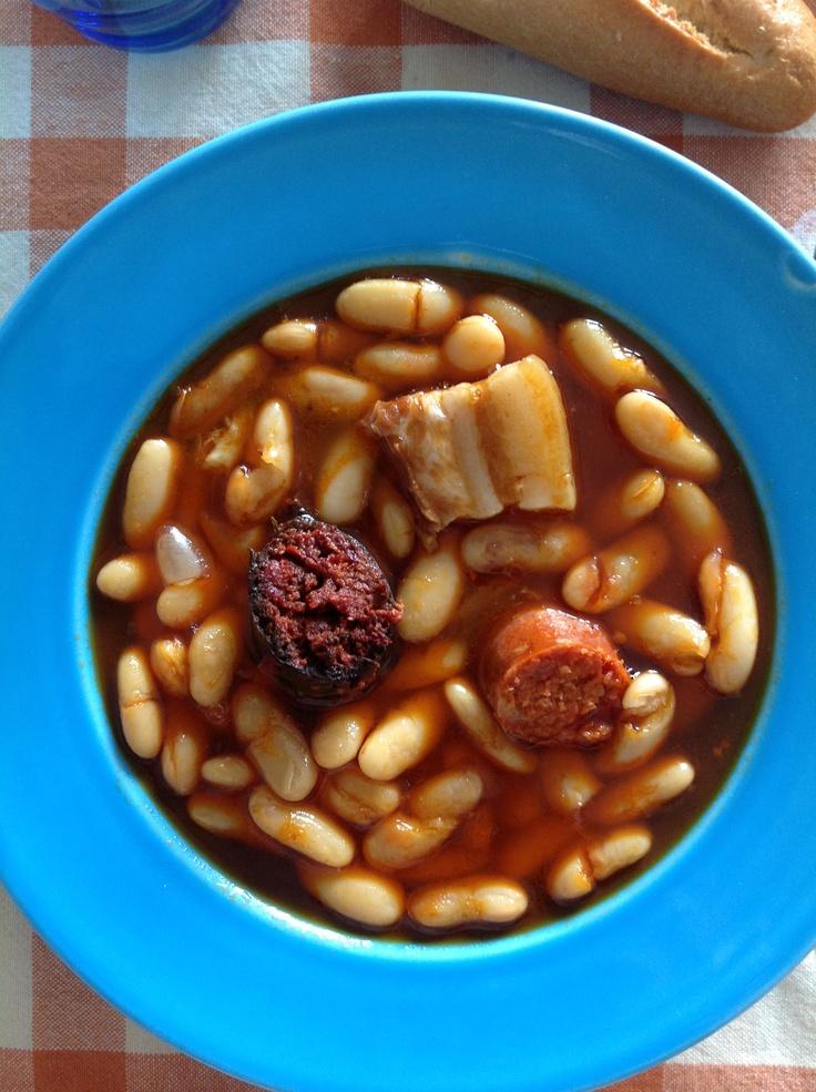 Fabada asturiana plato tipico espa ol comida espa ola for Como cocinar fabada asturiana