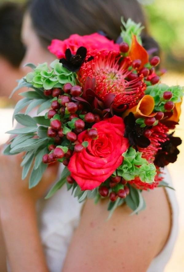 while this bouquet steps away from the green and white trend of popular nature theme I luv how it has drawn on different elements of nature - herbs, berries, native flowers, exotic flowers and cottage flowers come together with true beauty