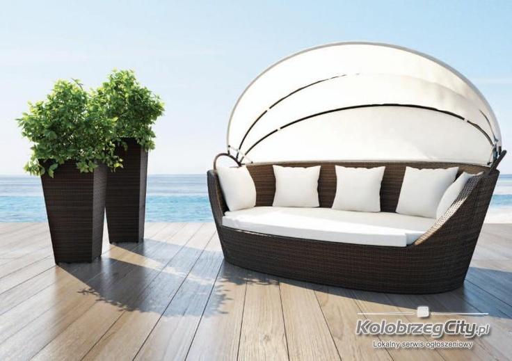 wypoczynek ogrodowy z baldachimem