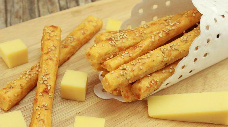 Käsestangen mit Sesam - Knabbergebäck mit Käse