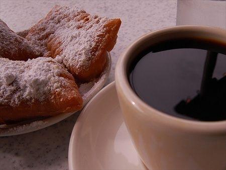 Breakfast in New Orleans: Cafe Du Monde