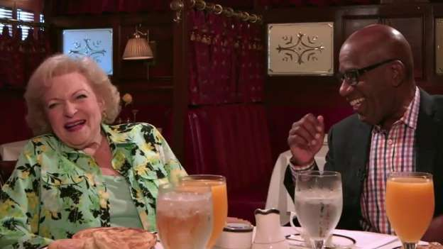 Betty White, 94, reveals why she can't get a date