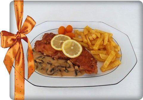Das perfekte Knuspriges Schnitzel mit Pommes frites und Champignons-Rahmsauce-Rezept mit einfacher Schritt-für-Schritt-Anleitung: Das  Schnitzel zuerst in…