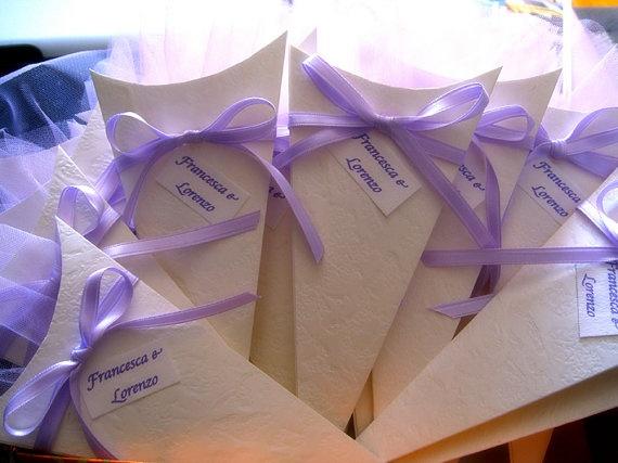 Set of 20 - Wedding Rice Cone, Candy Cone, Petal Cone, Confetti Cone - Purple €23.00
