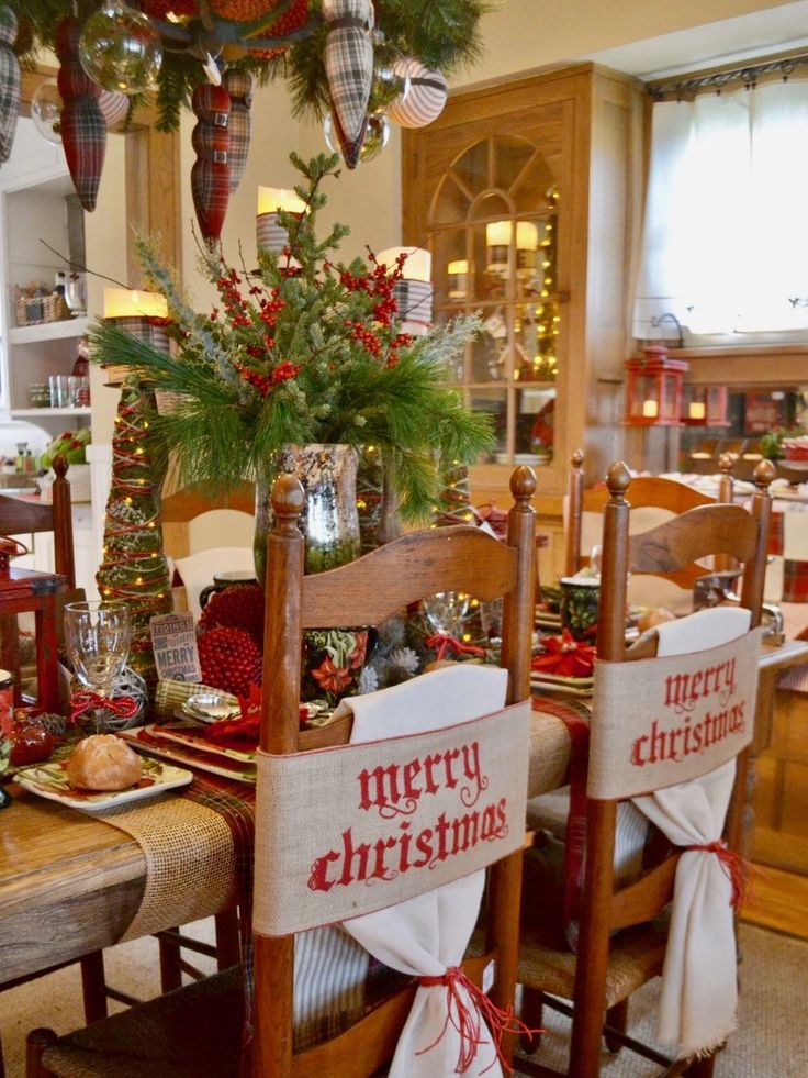 1021 best Christmas Table Decorations images on Pinterest ...