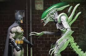 Resultat d'imatges de batman vs alien joker