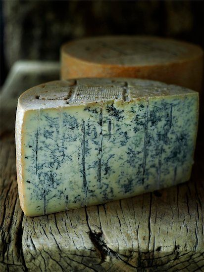 Gorgonzola is one of the world's oldest blue-veined cheeses. The Cheese is mainly produced in the northern Italian regions of Piedmont and Lombardy, Gorgonzola. This cheese has a crumbly and soft texture with a nutty aroma. It can have a mild to sharp taste depending on its age.