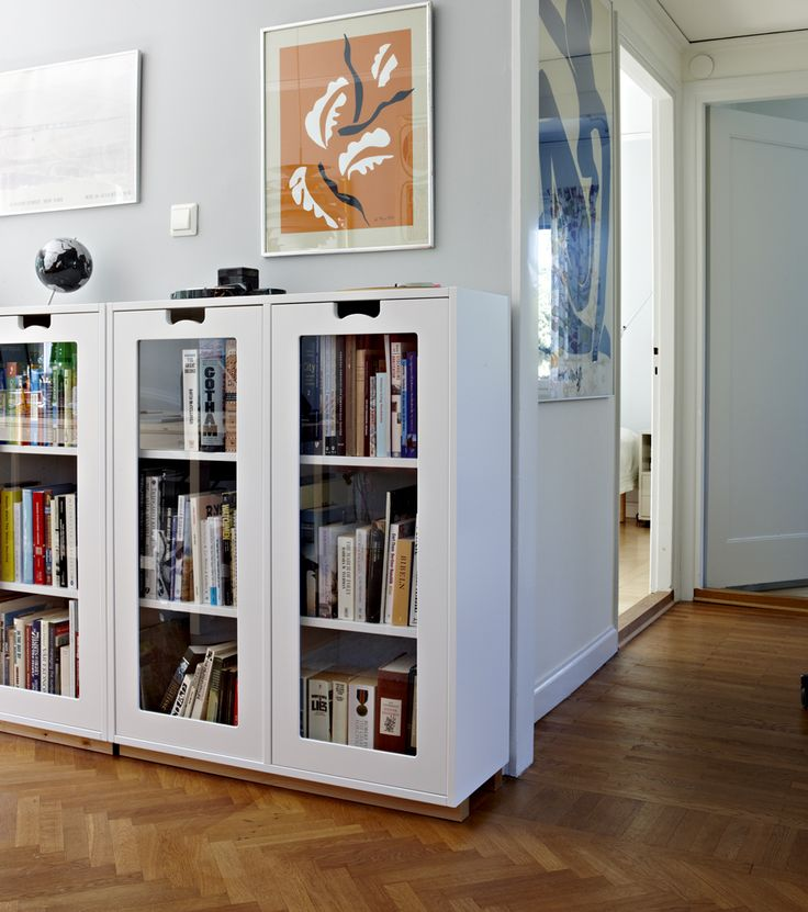 The workroom bookcase, snow by Jonas Bohlin and Thomas Sandell for Asplund. Affishkonst by Matisse.
