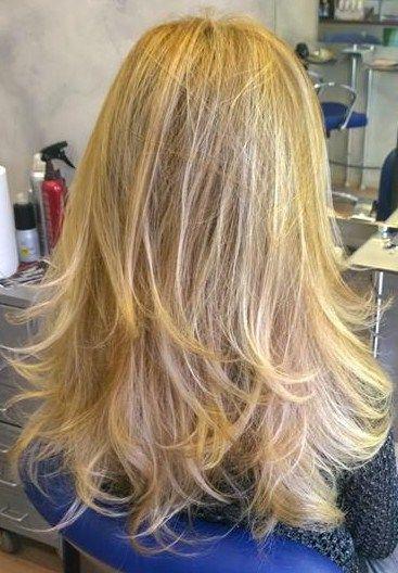 Spotted...in salone!  Per noi i capelli biondi sono sani e belli. #cdj #degradejoelle #tagliopuntearia #degradé #dettaglidistile #welovecdj #beautifulhair #naturalshades #hair #hairstyle #hairstyles #haircolour #haircut #fashion #longhair #style #hairfashion