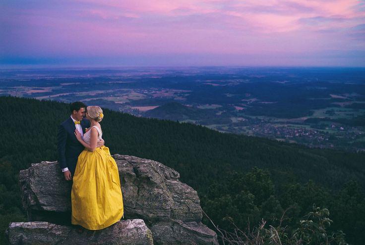 Eva a Honza, svatba na Ještědu /// Liberec Ještěd /// yellow wedding gown /// bride groom /// Svatba stylově