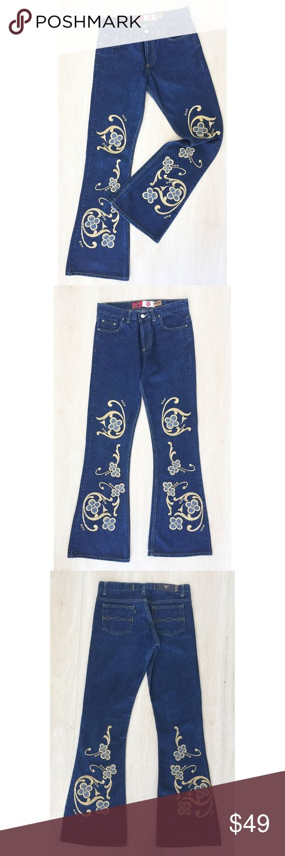 """Kosiuko Vintage Denim Jeans Gold Embroidery Sz:27 Kosiuko Vintage Denim Jeans w Gold Embroidery Size 27 Pre Owned-Excellent Condition Waist : 15"""" Hips: 19"""" Length: 39.5"""" Rise:9.5"""" Inseam: 32"""" Kosiuko Jeans Flare & Wide Leg"""
