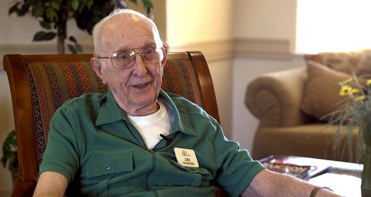 """91-year-old returns to school online at University of Arizona -     Jim Chaffinshas always loved to learn. Raised in West Virginia, he finished high school a semester early and enrolled at Virginia Tech. His college plans, however, encountered a slight roadblock: World War II. """"I'm a 91-year-old freshman at the University of Arizona enrolled in... - http://azbigmedia.com/ab/91yearold-returns-school-online-university-arizona"""