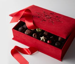 84 best Godiva images on Pinterest | Design packaging, Cards and ...