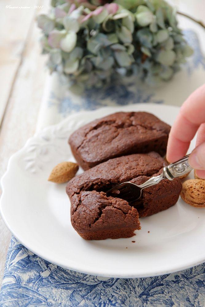 Kleine Kuchen mit Mandeln und Schokolade - vegan Rezept