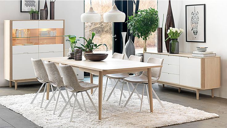 Skandinavisch & naturel wit & hout: Wit is puur en licht, hout is warm en rustiek. Met een combi van die twee is die populaire Scandi look zo neergezet in je interieur. aangevuld met zwart/wit & planten. Westwing