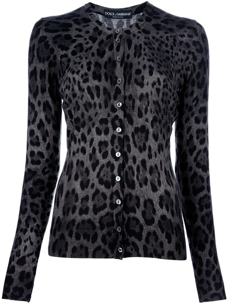 I already have like, 5 almost identical cardis but one can never have enough leopard print cardis lol.