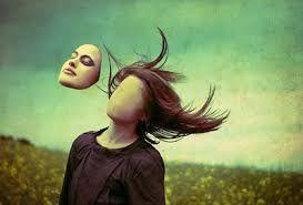 Sobre  a sensação de fuga de si mesmo, sobre o não estar realmente em si.