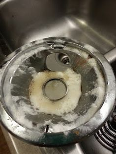 How to clean stove burners with vinegar and baking soda - Minimal effort