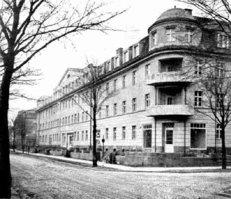 Koenigsberg, Wohnhausblock mit 32 Wohnungen, Beekstrasse 23-27