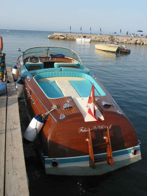 17 best images about riva aquarama wood boats on for Motoscafo riva aquarama