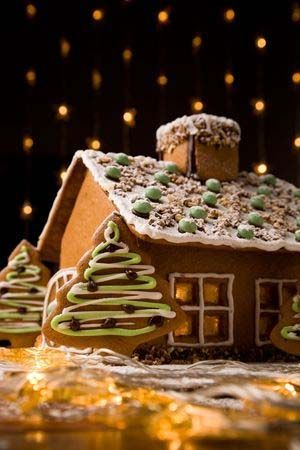 NEW - A Delicious & Sturdy Gluten Free Gingerbread House Recipe - http://glutenfreerecipebox.com/gluten-free-gingerbread-house-recipe/ #glutenfree #glutenfreerecipes: