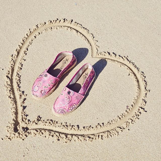 We love espadrillos, do you?  #oddspadrillos #oddmolly