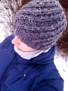Knit this super simple Pinecone hat because every winter needs nice and varm hat,