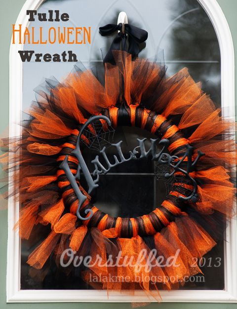 How to make a beautiful orange and black Halloween wreath out of tulle.
