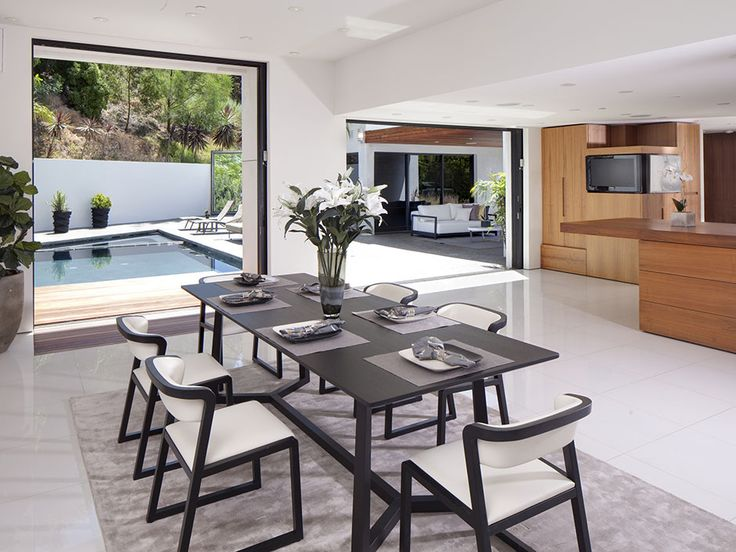 Kitchen Remodeling Beverly Hills Exterior Painting Mesmerizing This Beverly Hills Home's Dining Room Is Conveniently Located . Design Inspiration