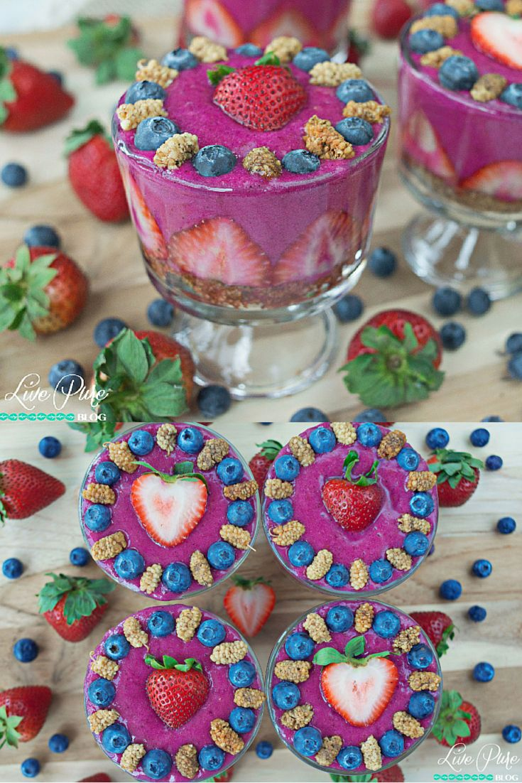 Talk about presentation! These Pitaya Parfait #Smoothies are as good on the outside as they are on the inside!