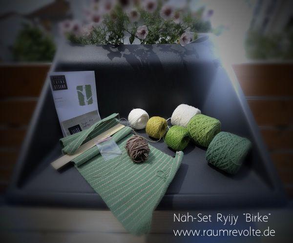 Das Material für den Einstieg in die Welt der Ryijy Wandteppiche. Näh deinen ersten kleinen Teppich im Birkenmotiv. Design Taina Otsama. DIY-Kit bei uns im Shop.