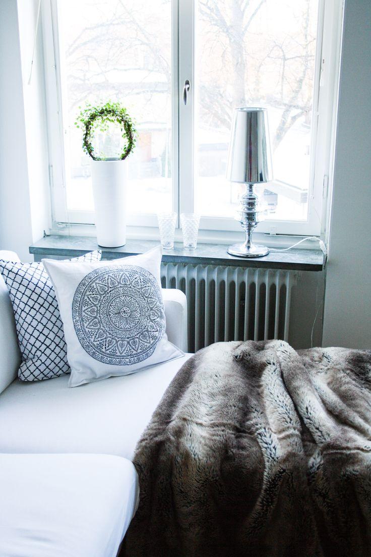 #prada #marfa #interior # deisgn #interiorboys #lexington #lexingtoncompany #beachouse #beachhousecompany #allwhite #pillow #bedroom #marble #newblogpost #interiordesign #scandinavian #nordichome #nordic #blogger #blogg #inredning #sovrum #vitt #livingroom #vardagsrum #brukadesign #zarahome #yankeecandle #tinek #pläd #svenskttenn #ikea #skönahem