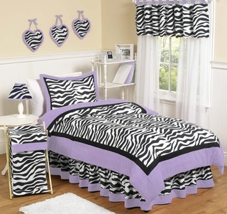 Purple & Zebra bedroom. OK, I have to do this for Morgan and Hannah! I like that there isn't any zebra paint. It would be very easy to change out when they get tired of their zebra bedspread.