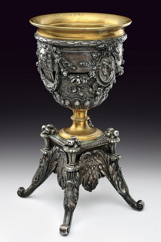 A bronze cup    provenance: Italy dating:  early 20th Century